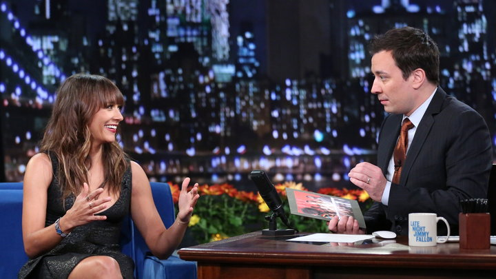 Late Night With Jimmy Fallon - Rashida Jones Crashed the YouTube Awards